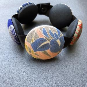 Bracelet-Hiroko-Iris-carouge-cadeau-bijou-sur-mesure-Hangel