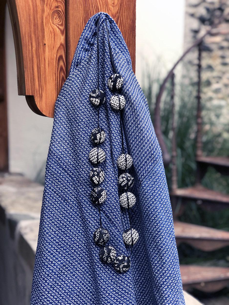 Collier-Hiroko-shibori-noir-Valerie-Hangel-Carouge-bijoux
