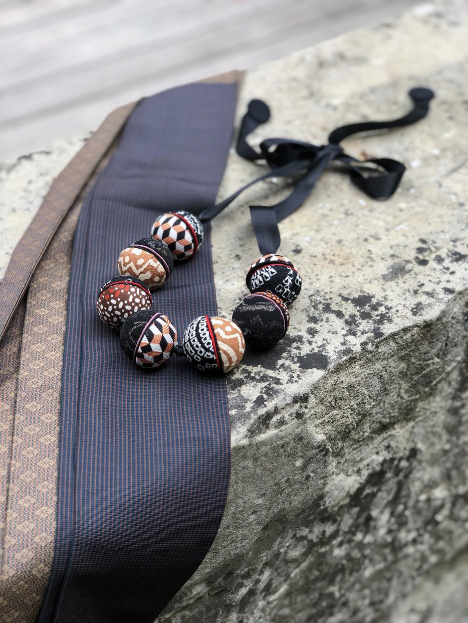 necklace-ines-gift-shop-jewelry-designer-handmade-valerie-hangel