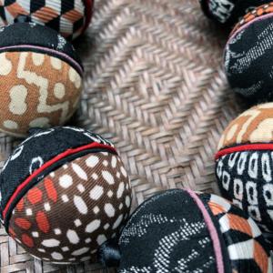 necklace-ines-beads-silk-kimono-vintage-fabrics-tie-galerie-h