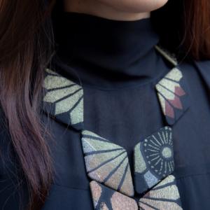 collier-Scarabee-Or-Soie-Kimono-Japon-Valerie-hangel-Carouge