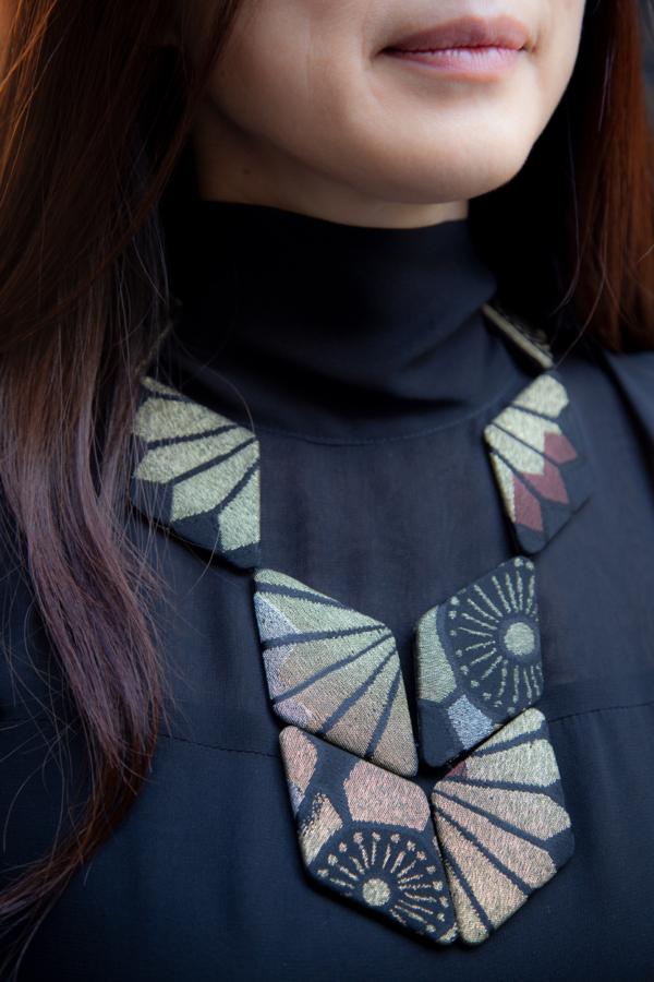 golden-scarab-necklace-kimono-silk-Japan-valerie-hangel-Carouge
