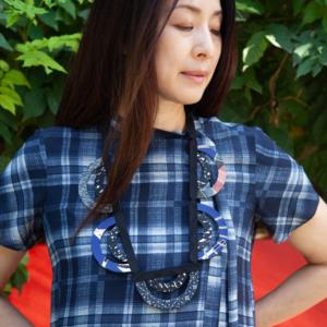 silk-necklace-indigo-japan-textile-jewelry-galerie-h-carouge