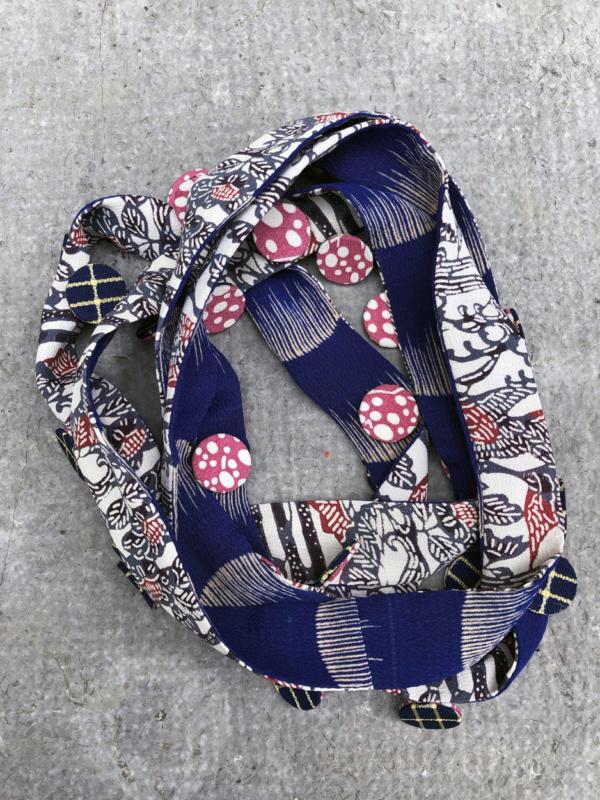 collier-ruban-nymphea-bleu-kimono-bijou-textile-Valerie-Hangel