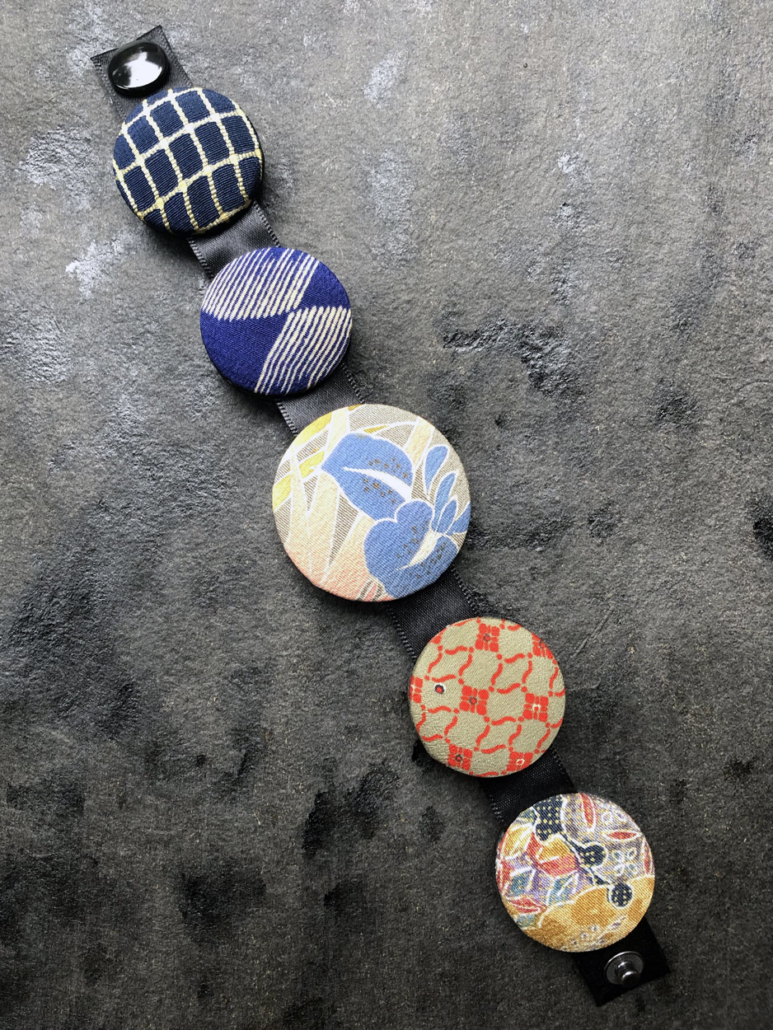 Bracelet-hiroko-Iris-bijou-kimono-imprime-soie-creation-valerie-hangel