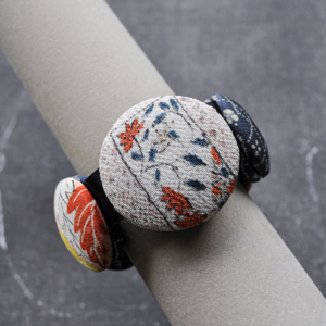 bracelet-hiroko-neige-mode-createur-artisanat-local-carouge-valerie-hangel