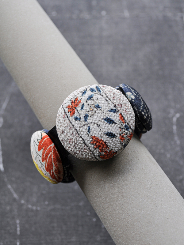 bracelet-hiroko-snow-fashion-designer-crafts-local-carouge-valerie-hangel