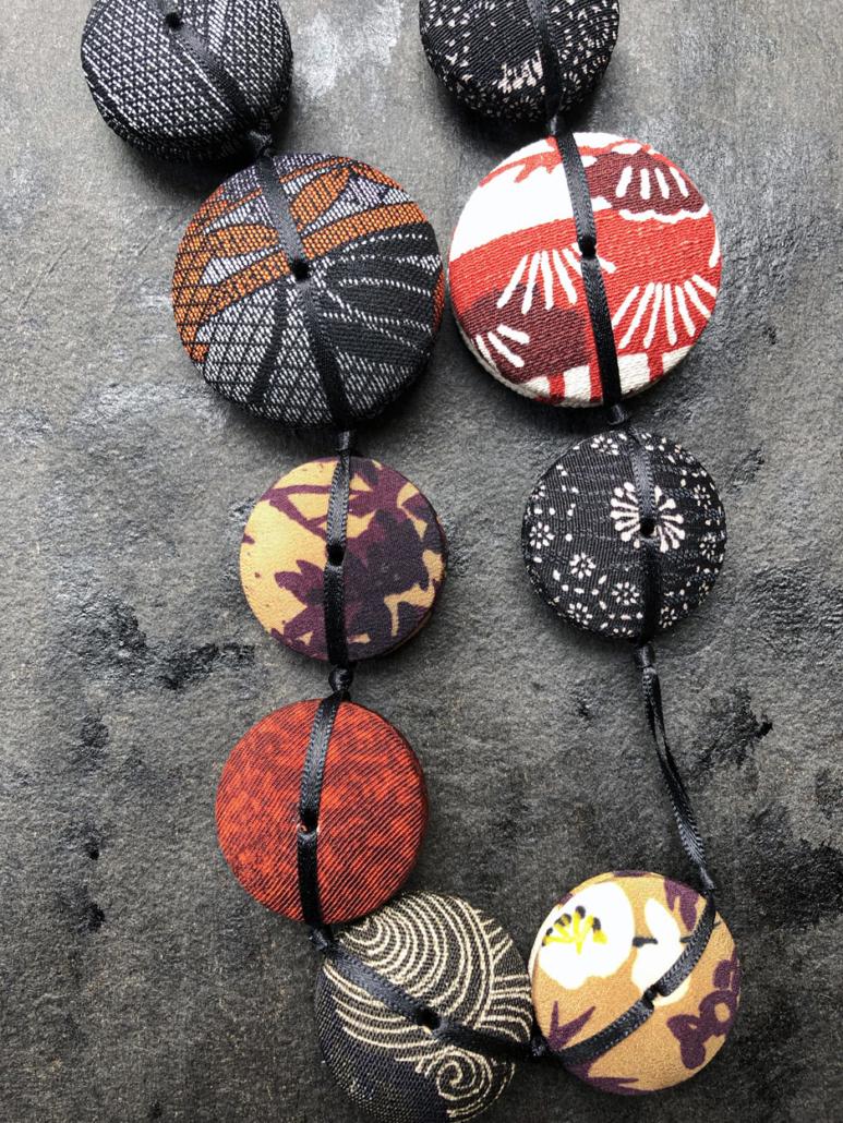 collier-Hiroko-dragon-soie-kimonos-japon-carouge-bijoux-valerie-hangel-recycler