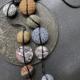 collier-Hiroko-indigo-Boutique-carouge-galerie-art-tissus-textiles-bijouterie-boutique-Hangel