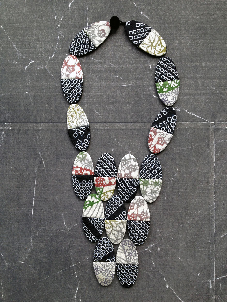 collier-domino-kimono-Carouge-Hangel-createur-textile-fait-main-local-produit