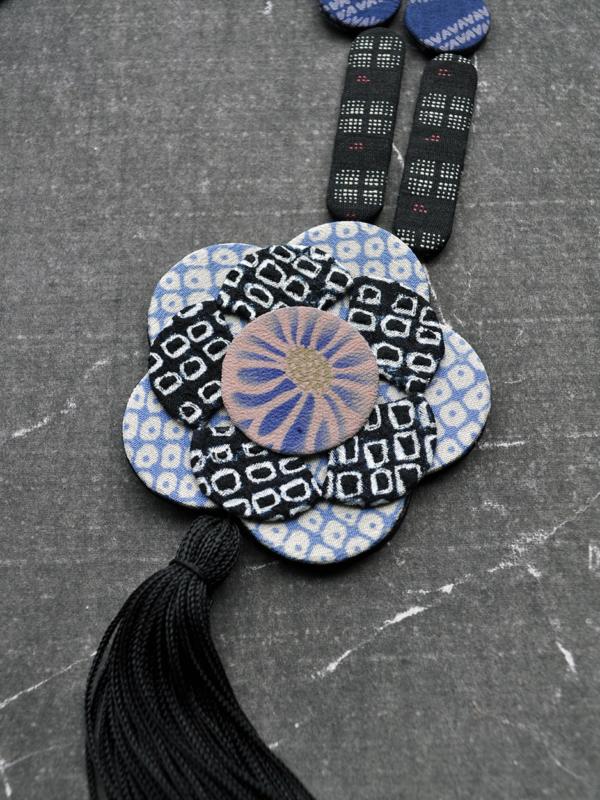 necklace-flower-pompom-carouge-geneva-hangel-valerie-kimono-silk-workshop-jewelry