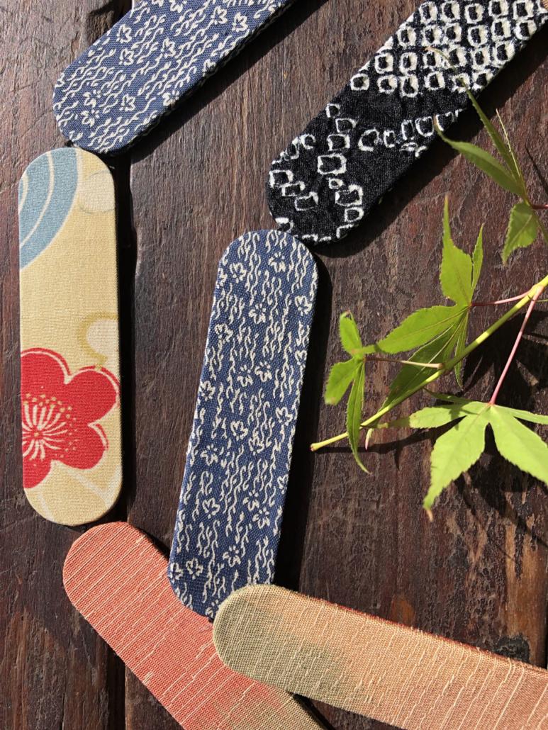 collier-komiko-kimono-carouge-hangel-valerie-bijou-textile-fait-main-atelier-creation