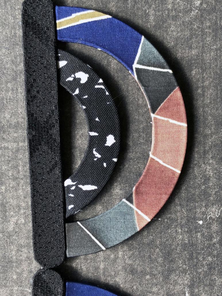 collier-ondes-Hangel-artisanat-createur-design-Carouge-achats-accessoire-