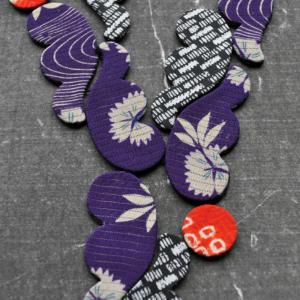 textile-necklace-river-kimono-recycling-silk-fabrics-valerie-hangel-carouge