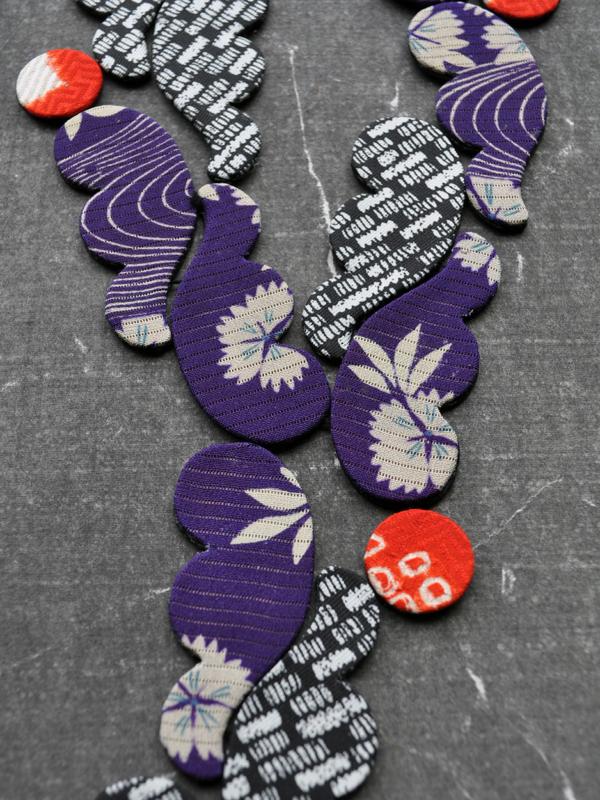 necklace-river-kimono-recycling-silk-fabrics-valérie-hangel-carouge