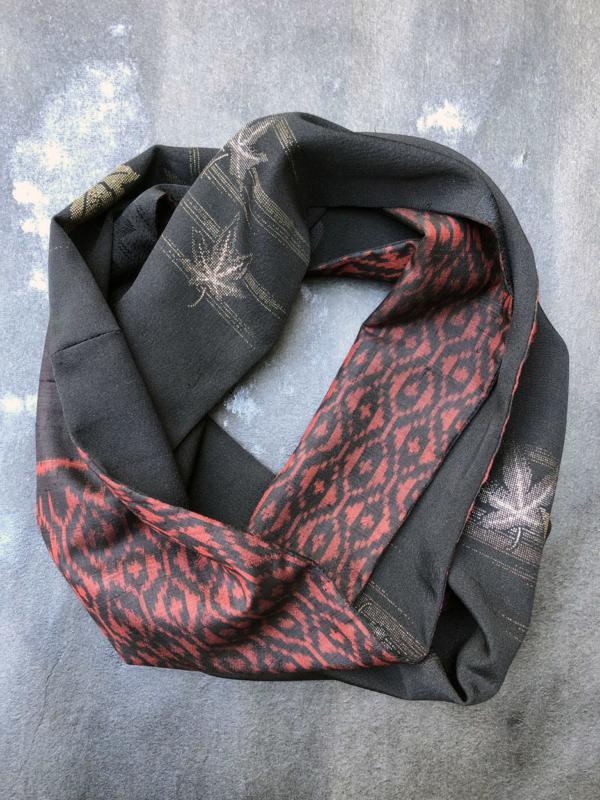 Echarpe-soie-kimono-feuilles-erable-accessoire-mode-foulard-couture-collection-hiver-Valerie-Hangel