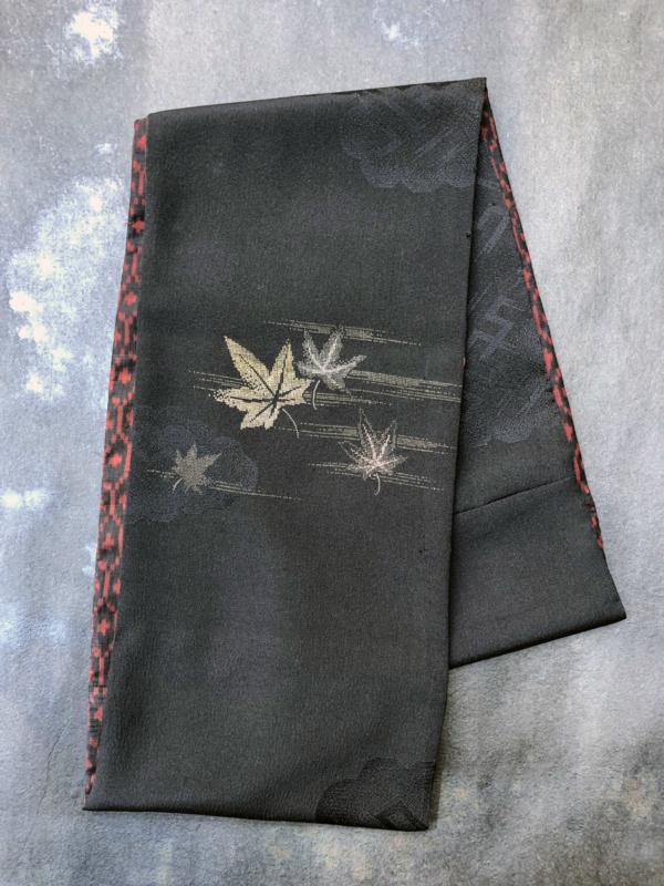 echarpe-tube-feuille-erable-soie-kimono-cadeaux-Hangel-boutique-accessoire