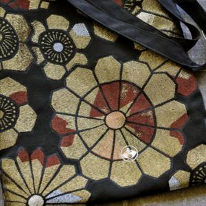 sac-soie-kimono-tissu-or-obi-fait-main-boutique-accessoire-valerie-hangel-galerie-h-carouge