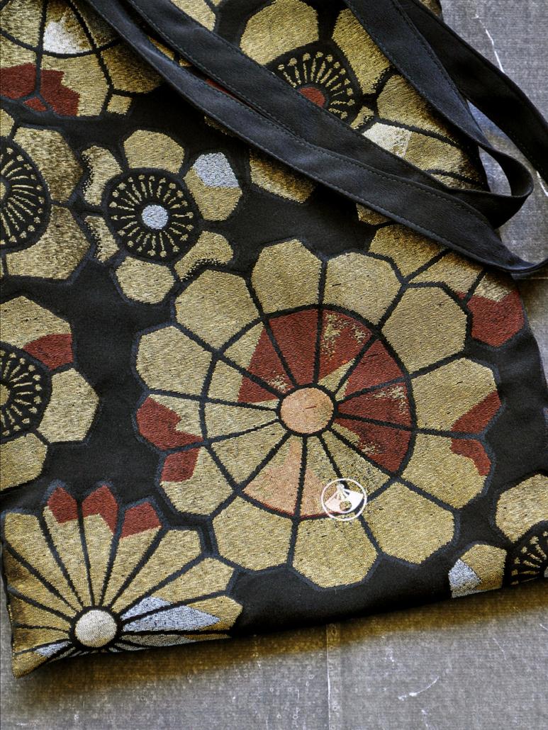 Sac-kimono-tissu-or-obi-fait-main-boutique-accessoire-valerie-Hangel-galerie-h-Carouge