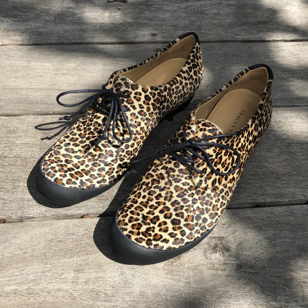 chaussure-faux-leopard-cuir-Tracey-Neuls-Carouge-Galerie-h-accessoire-collection-2019