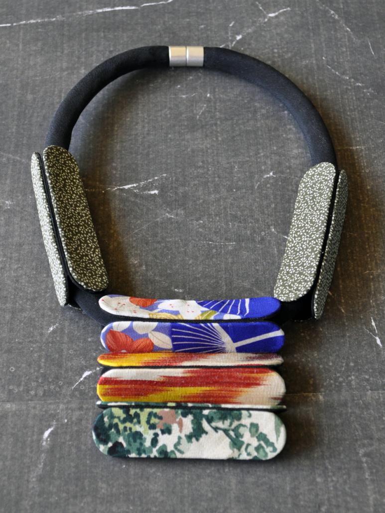 collier-Masai-bijoux-textile-kimono-Geneve-collier-cadeau-fait-mains-Carouge