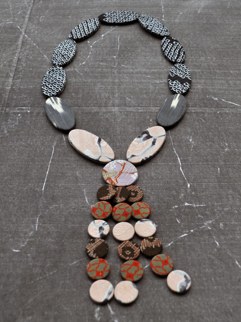 collier-ethnique-bijoux-contemporain-kimono-artisanat-geneve-Hangel-Valerie