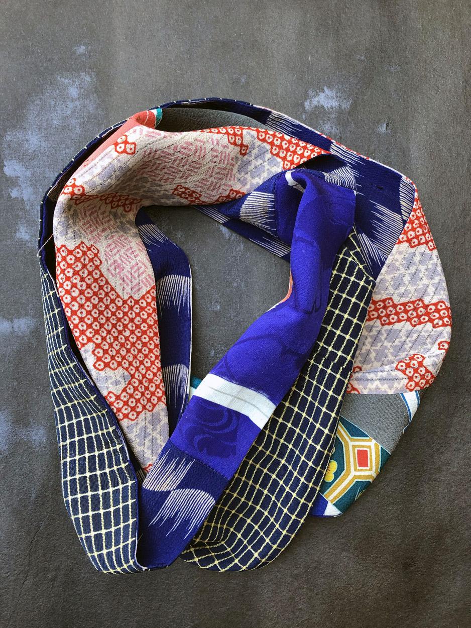 Echarpe-tube-kaki-bleu-Klein-soie-imprime-kimono-cadeaux-Hangel-boutique-accessoire