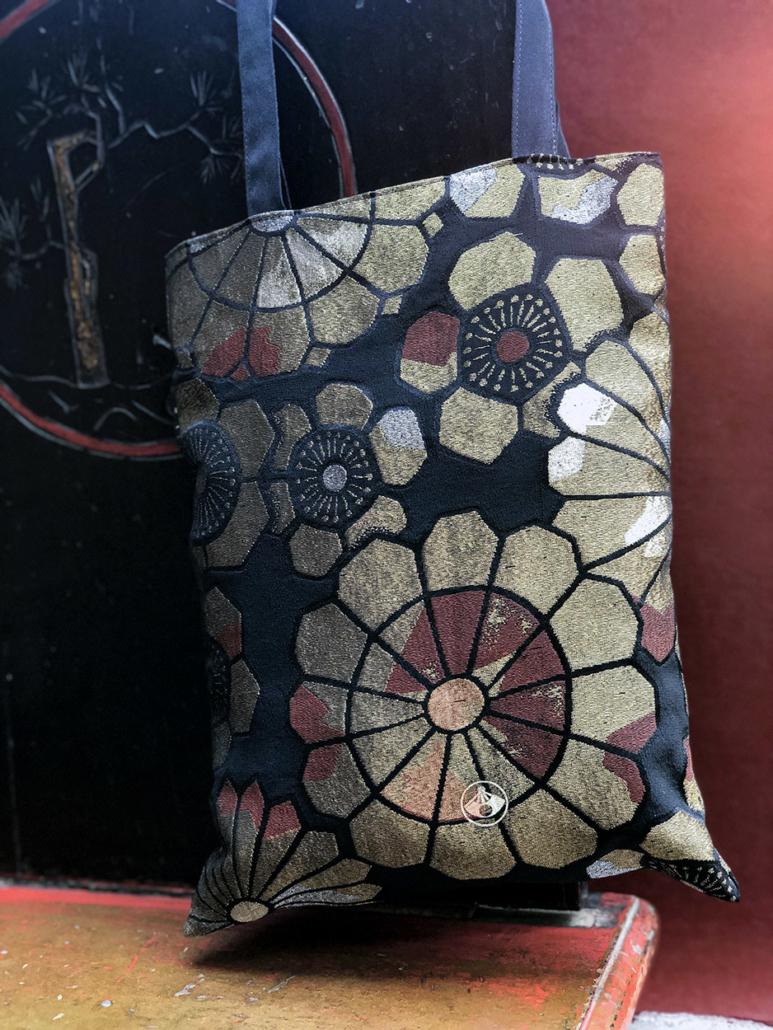 Sac-tissus-brocart-or-obi-japonais-soiree-accessoires-Carouge-Geneve-Hangel-fait-main