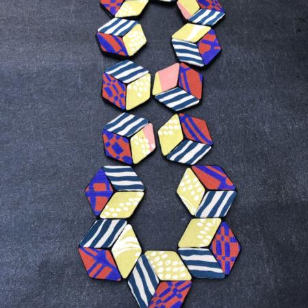 necklace-bead-cube-kimono-design-accessory-scarf-woman-gift-valerie-hangel-carouge
