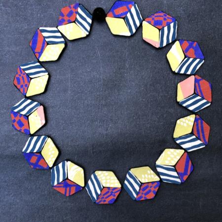 necklace-beads-cubes-kimono-silk-jewelry-contemporary-textiles-valerie-hangel-carouge-geneva