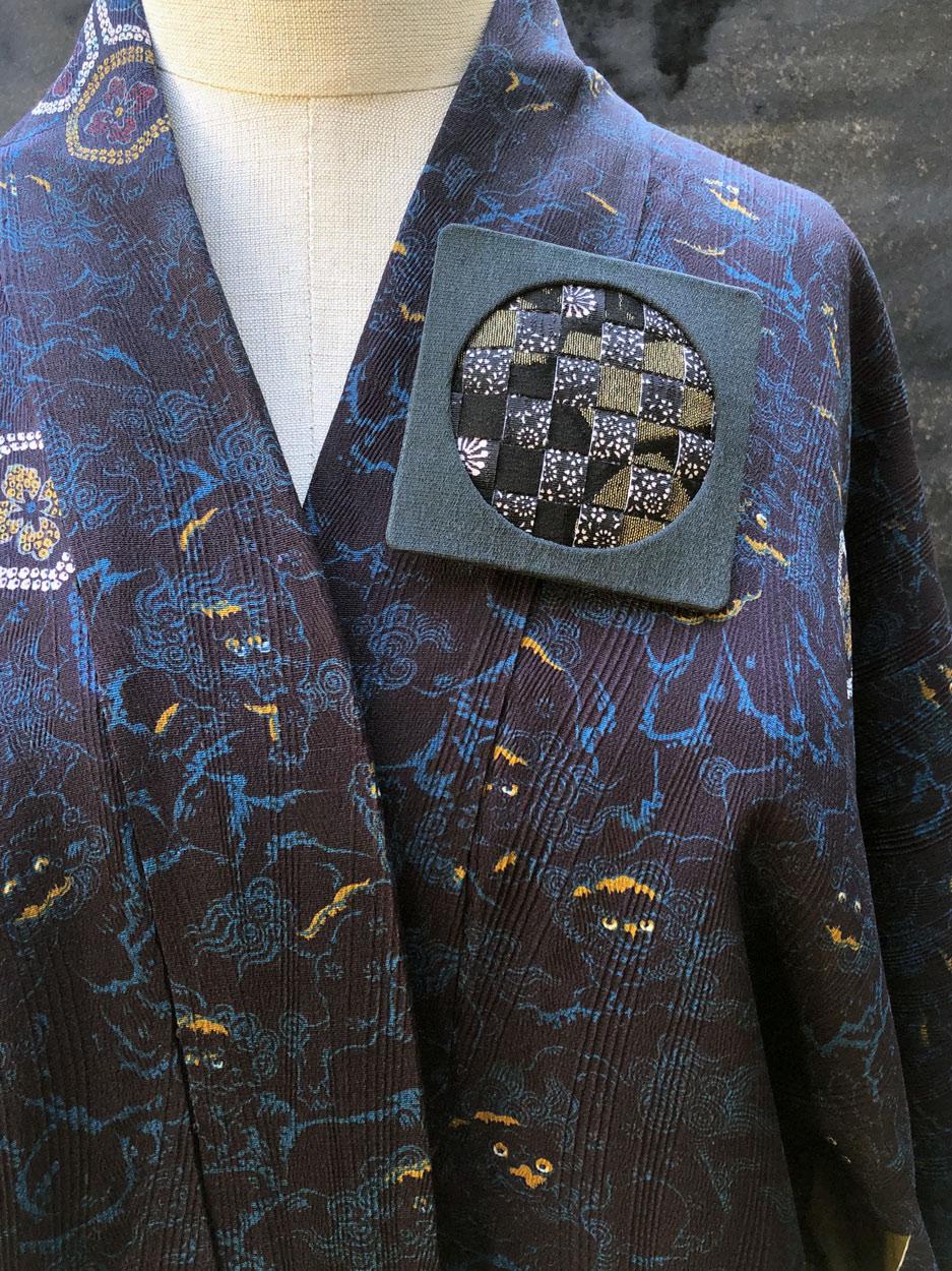 brooch-silk-kimono-day-and-night-handmade-jewelry-maker-valerie-hangel