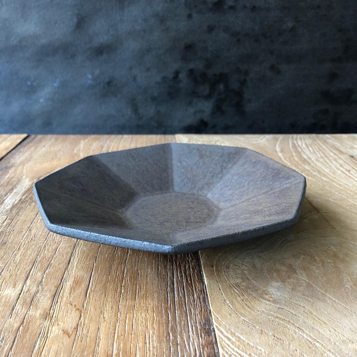 Plate-Japanese-Ceramics-Shinobu-Hashimoto-Galerie-h-Geneva