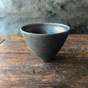 hibi-kuro-bowl-japanese-ceramics-Shinobu-Hashimoto-gelerie-h-geneva