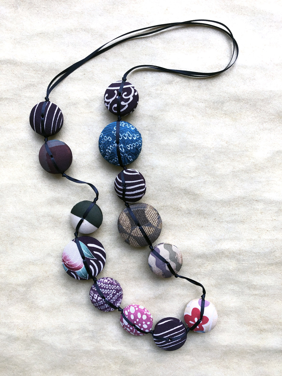 Necklace-Hiroko-flowers-kaki-handmade-jewelery-maker-craft-Valerie-Hangel-Geneva