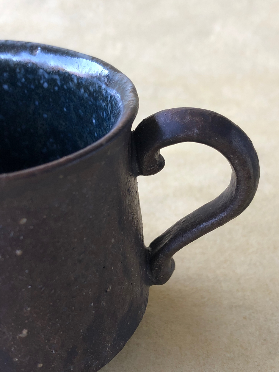 Tasse-Ceramique-Tomoko-Iwata-Galerie-h-Geneve