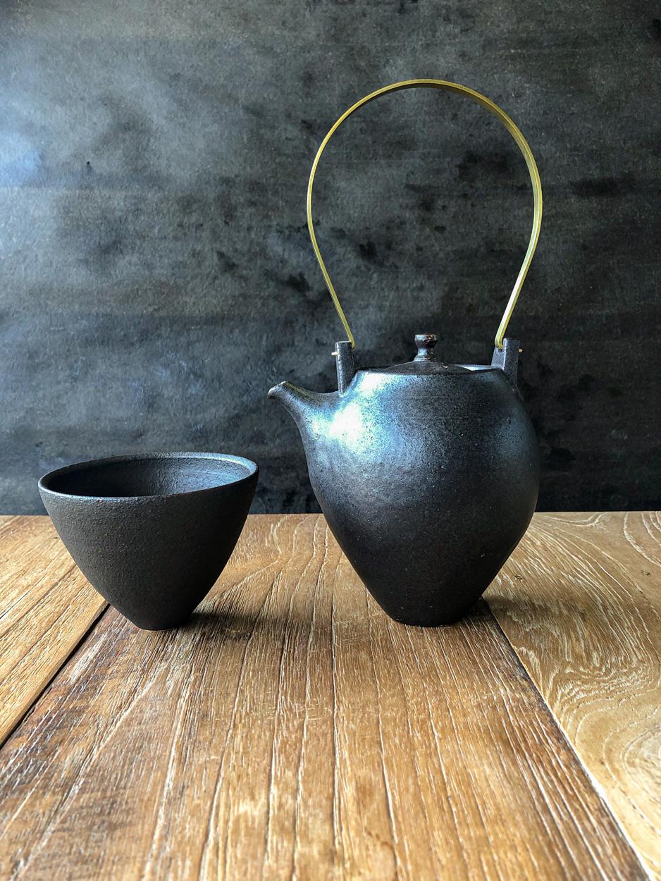 Teapot-Ceramic-Shinobu-Hashimoto-Galerie-h-Geneva-Carouge