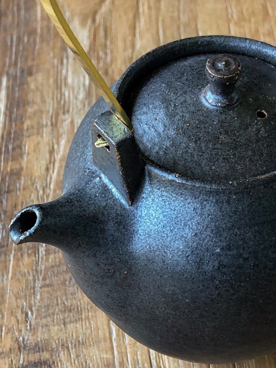 Teapot-Ceramic-Shinobu-Hashimoto-Galerie-h-Geneva