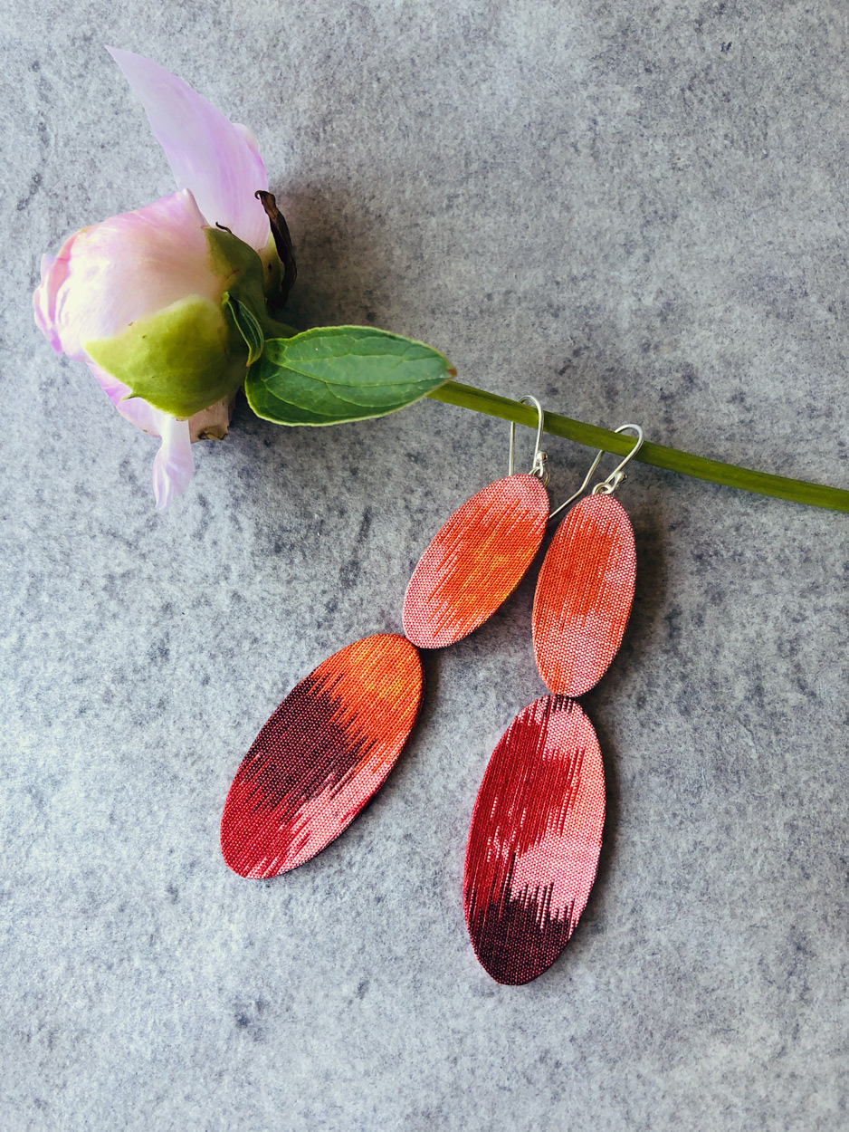 Boucles-oreilles-petales-kimono-bijoux-sur-mesure-creation-unique-accessoires-femme-Valerie-Hangel-Carouge-Galerie-h