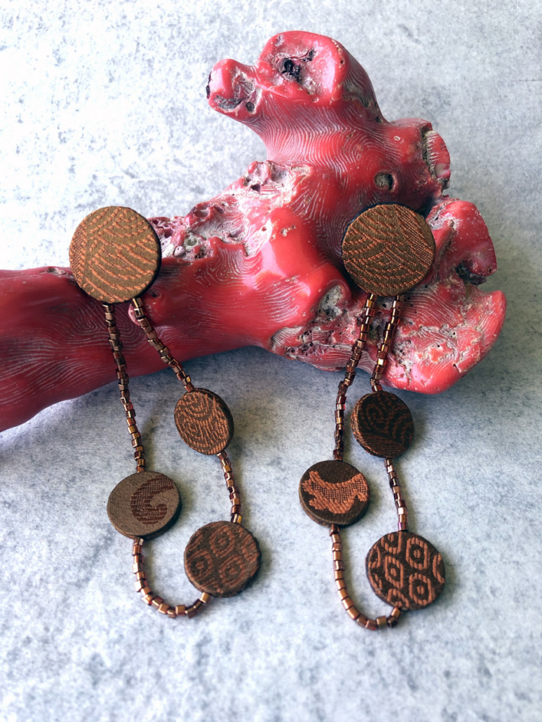 Earring-Elsa-textile-jewelry-design-unique-gift-handmade-Geneva-valerie-Hangel