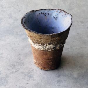 contemporary-japanese-ceramics-sandstone-cup-unique-ceramist-yusuke-offhause-carouge-geneva