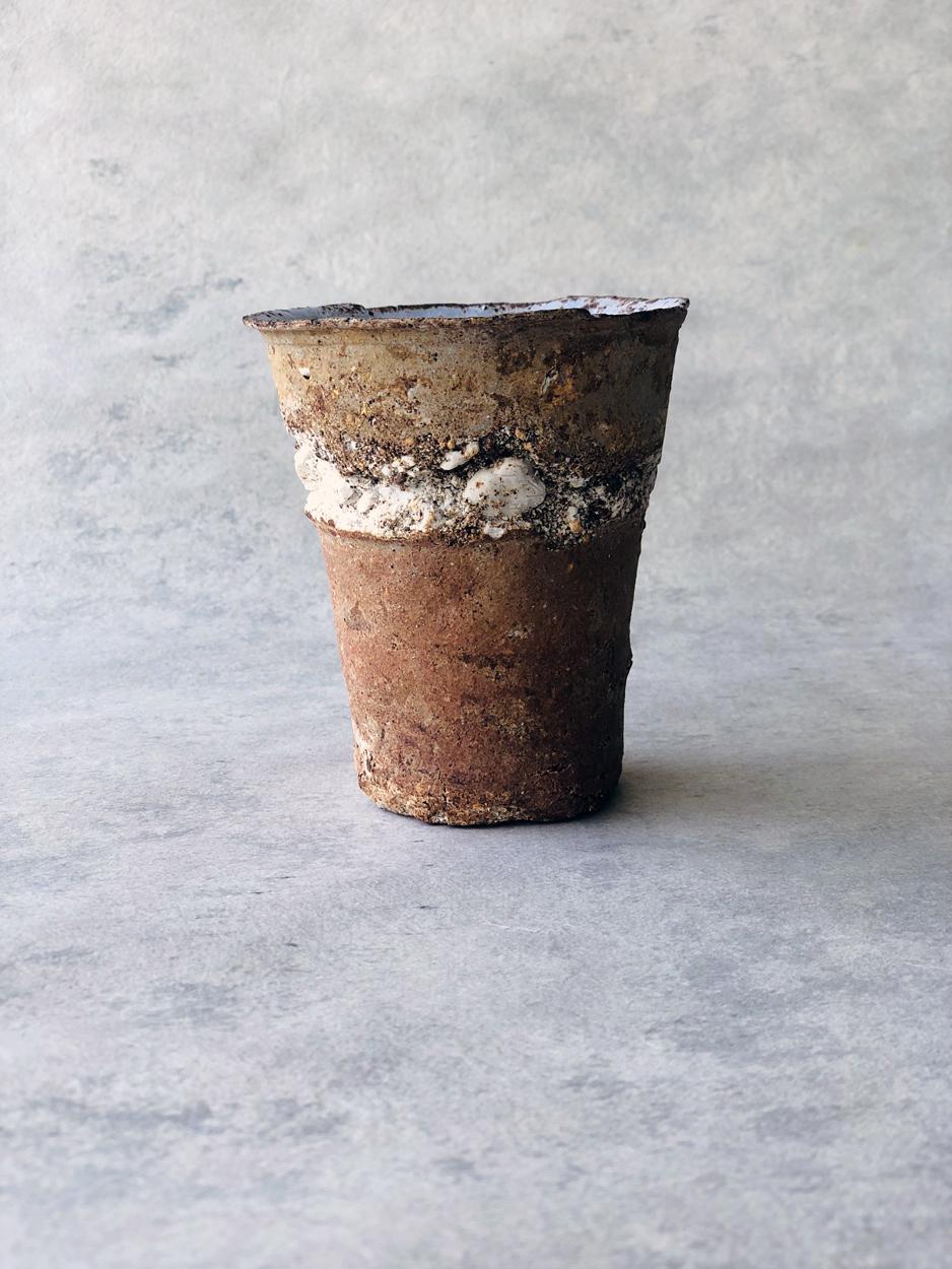 Yugen-stonewares-contemporary-ceramic-japanese-cup-Yusuke-Offhause-geneva-galerie-h