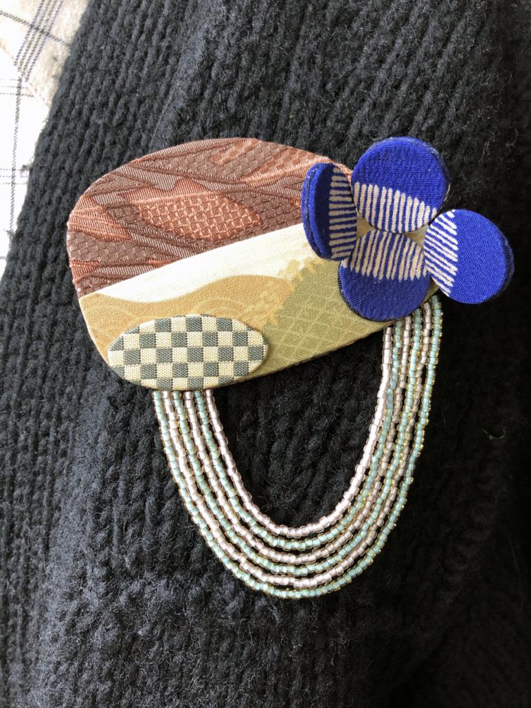 broche-bijoux-artisanat-piece-unique-kimono-en-soie-fait-main-carouge-boutique-accessoires