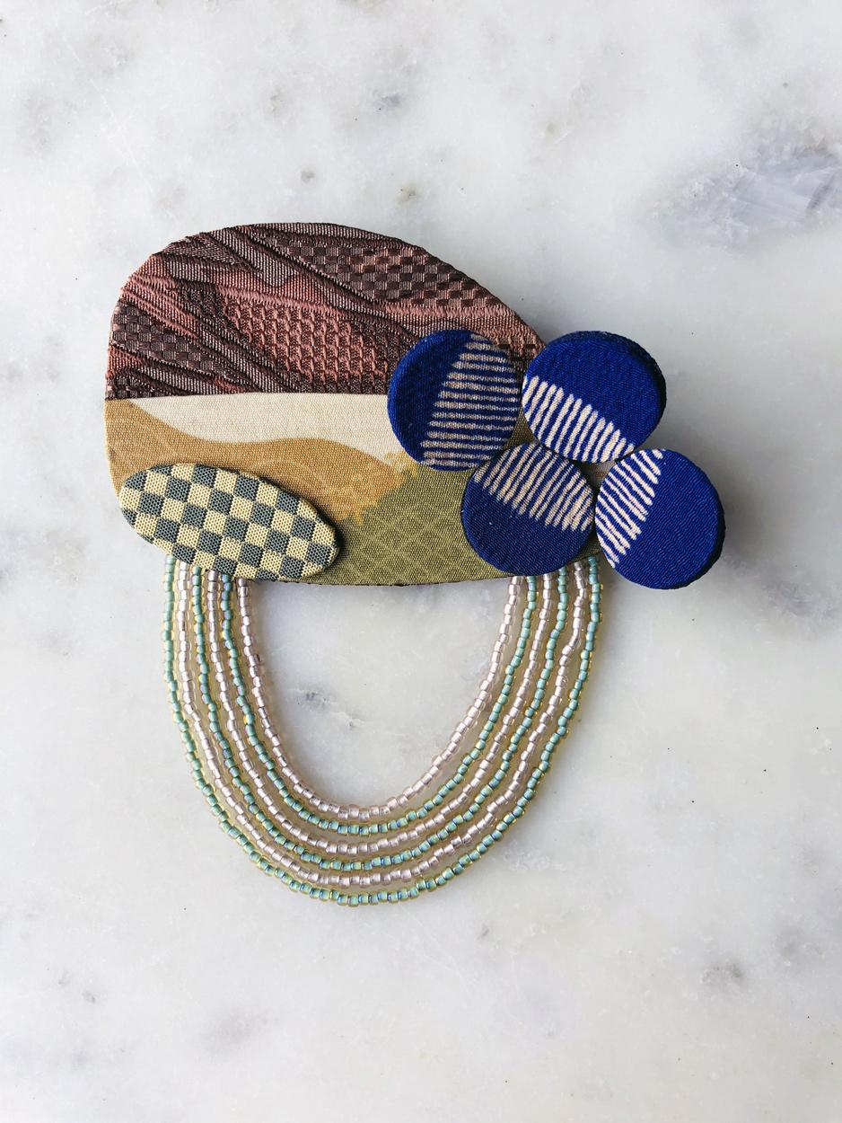 broche-paysage-collection-automne-hiver-bijoux-accessoires-soie-kimono-valerie-hangel-carouge-geneve