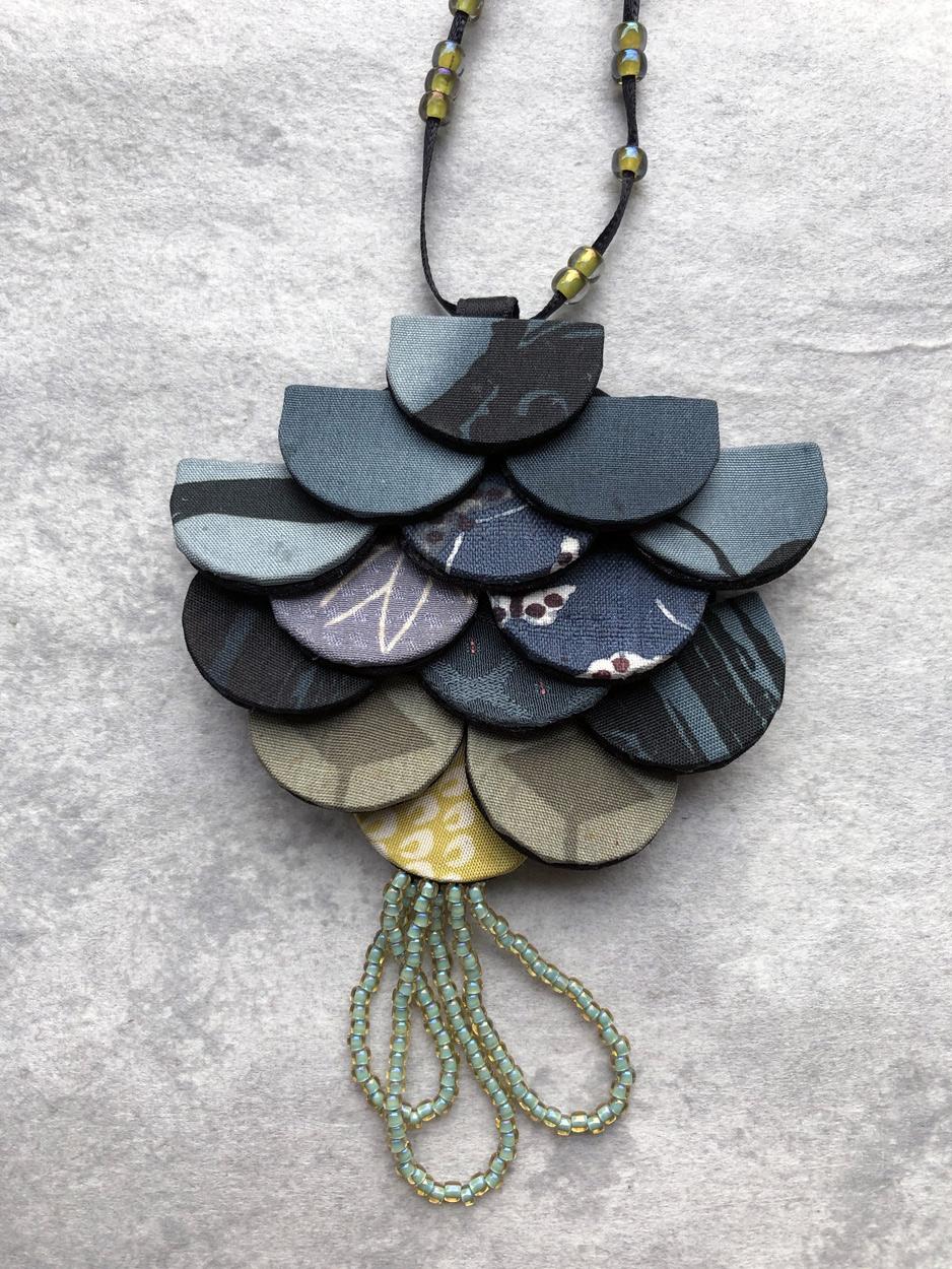 bijoux-createur-accessoire-mode-perles-kimono-soie-artisan-bijoutier-carouge-galerie