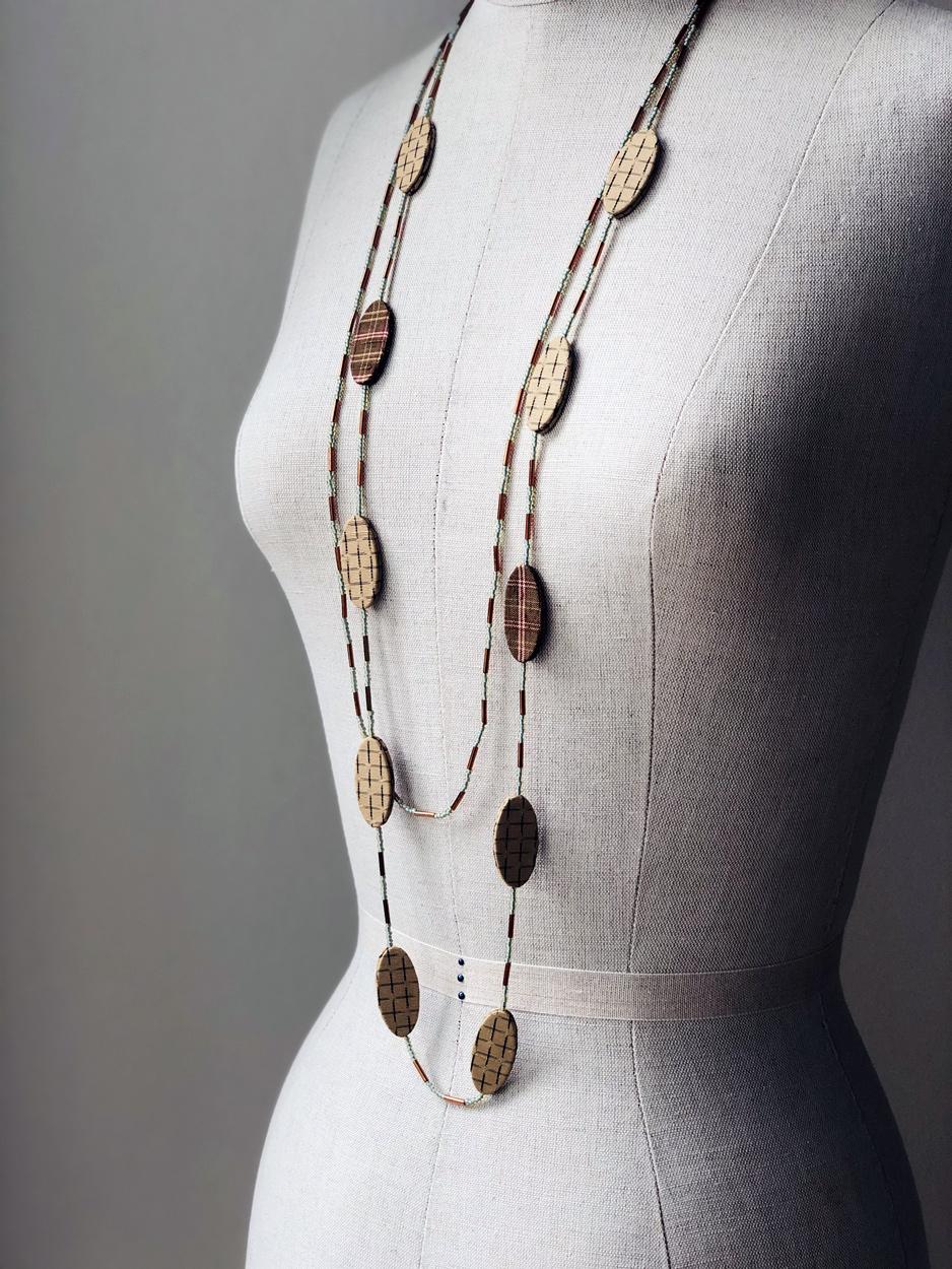 collier-clair-de-lune-kimono-ancien-perles-fait-main-artisan-local-Hangel-galerie-artisanat-geneve-carouge-suisse