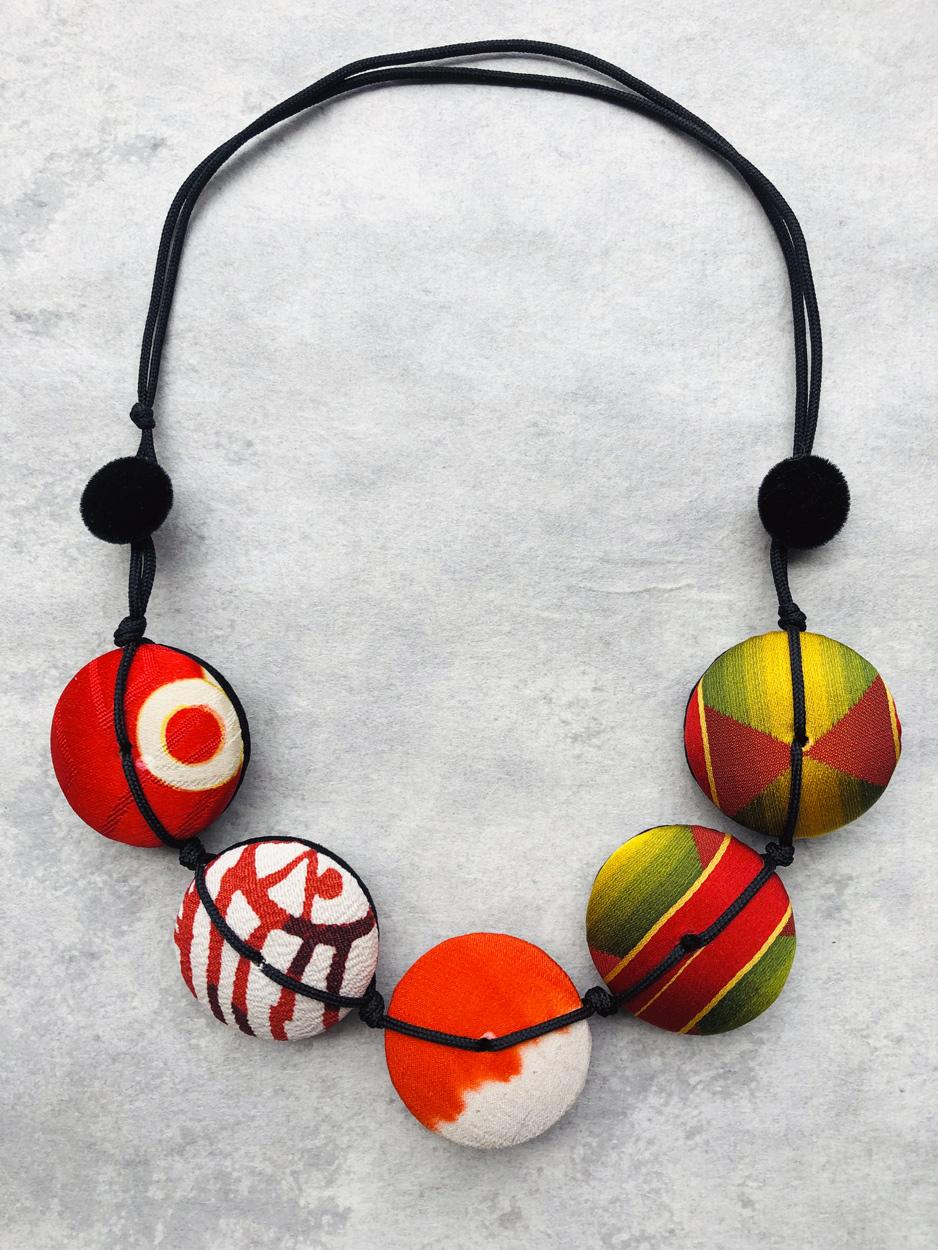 collier-hiroko-bijoux-mode-fait-main-kimono-ancien-artisan-art-carouge-valerie-hangel-carouge