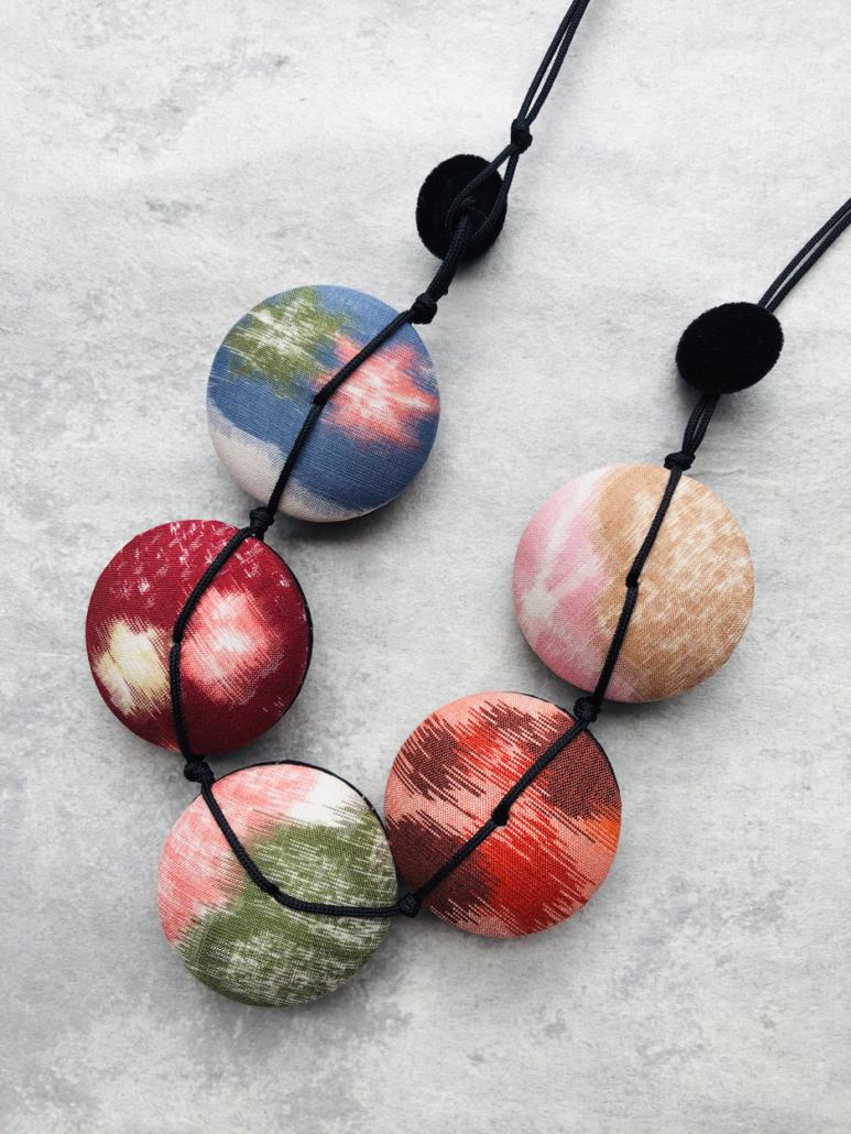 Necklace-Hiroko-silk-kimono-jewel-jeweller-accessory-valerie-Hangel-Geneva