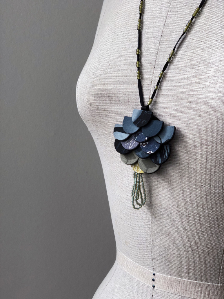 Necklace-jewelry-jewel-kimono-solk-handmade-fashion-gallery-craftsmen-carouge-geneva-valerie-hangel