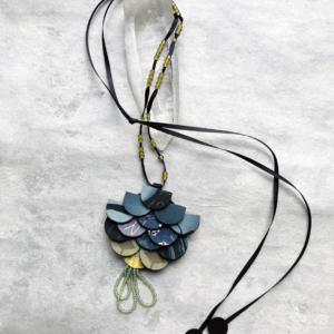 pendentif-perles-verre-kimonos-bijoux-collier-artisanal-valerie-hangel-geneve