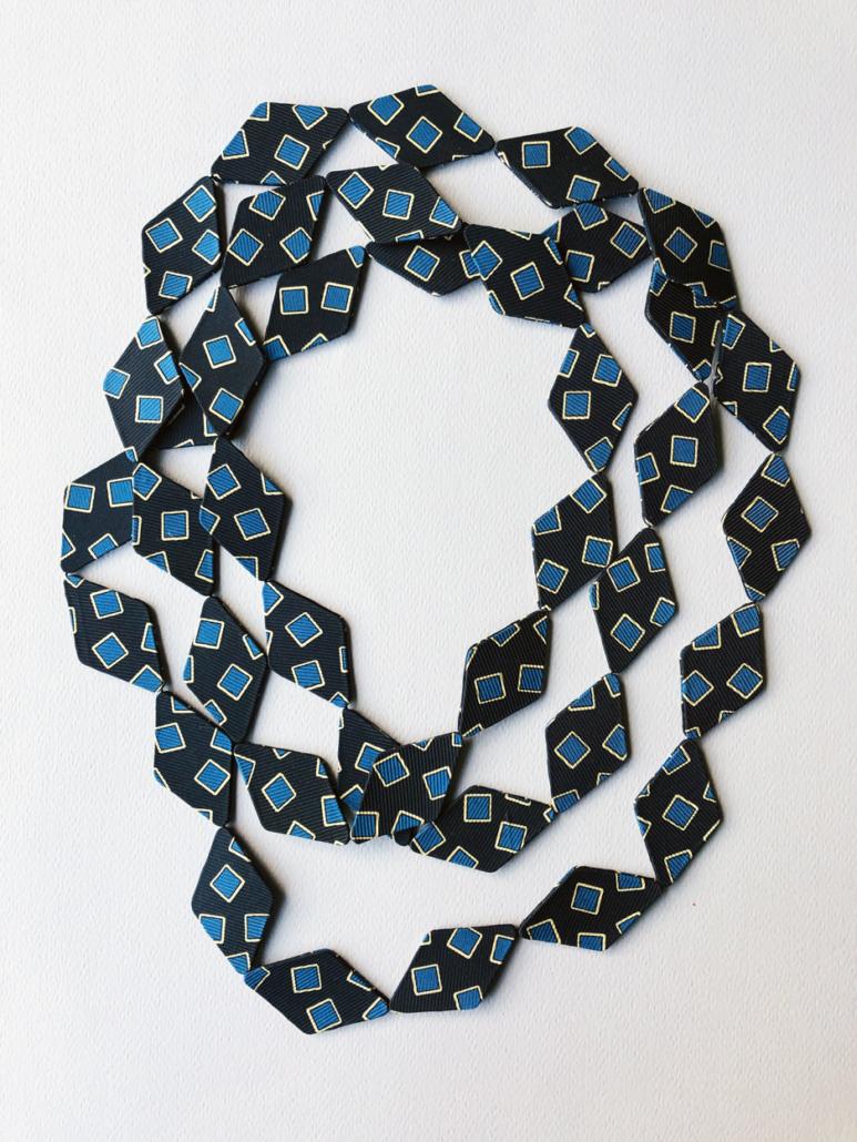 necklace-silk-contemporary-jewelery-handmade-maker-fabrics-vintage-valerie-hangel-geneva